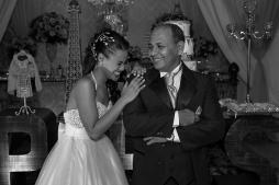 15-anos-de-julia-registrado-pelo-fotografo-fabio-doria-do-rj-no-salao-de-festa-iris-cristal-localizado-em-bangu-zona-oestea-debutante-estava-li7